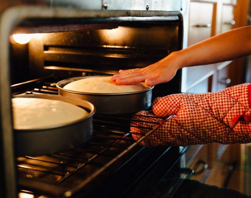 cara menggunakan microwave untuk memanggang kue